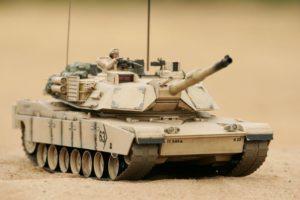 Hobby Engine Abrams tank desert camo