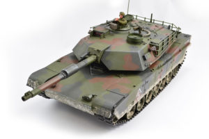 HOBBY ENGINE PREMIUM LABEL 2.4G M1A1 ABRAMS TANK - CAMO