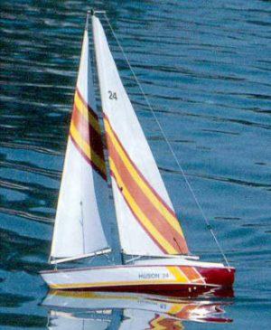 Huson 24 Sailboat Kit (1117)
