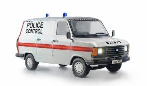 Italeri 1/24 Ford Transit UK Police