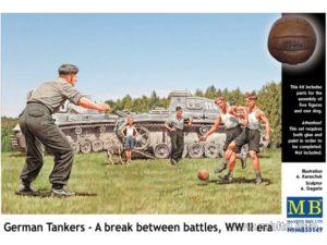 Masterbox 1/35 German Tankers A Break between battles # 35149