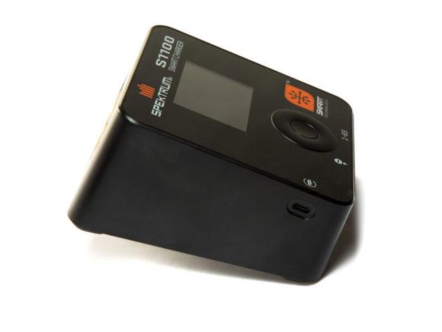 Spektrum S1100 AC Smart Charger SPMXC1080I