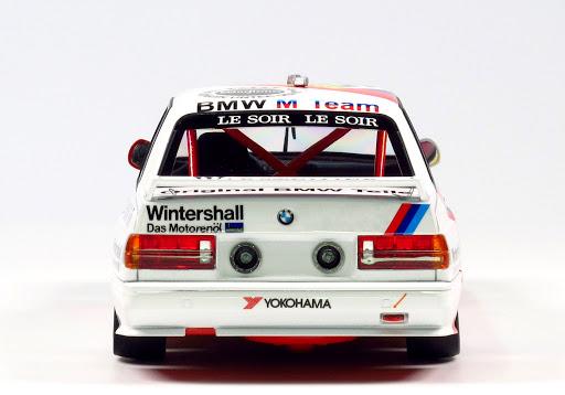NUNU BMW M3 E30